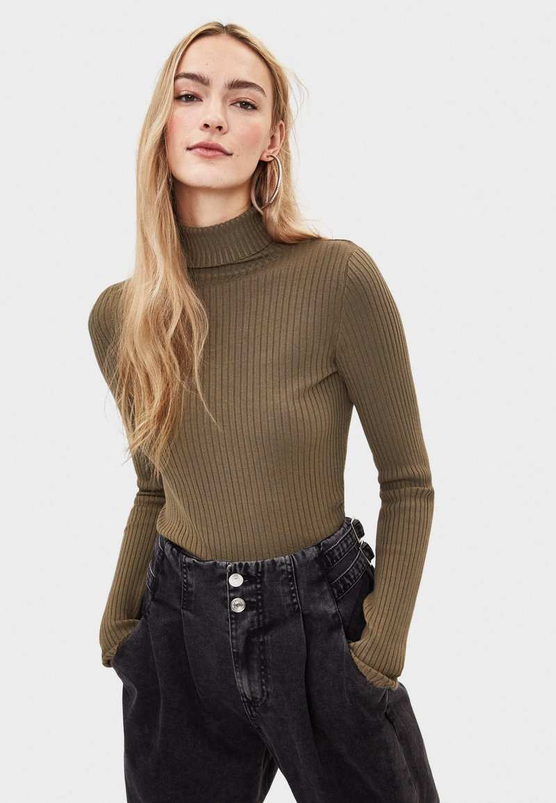 Bershka - Sweter - khaki