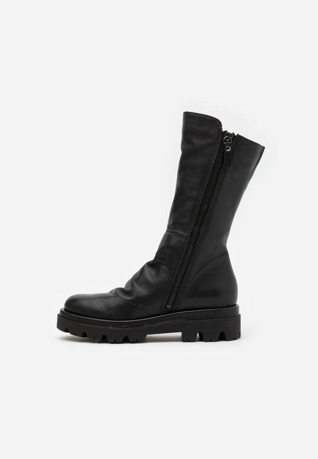 ASTRID - Platform boots - sidney black