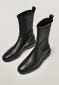 Massimo Dutti - Classic ankle boots - black - 2