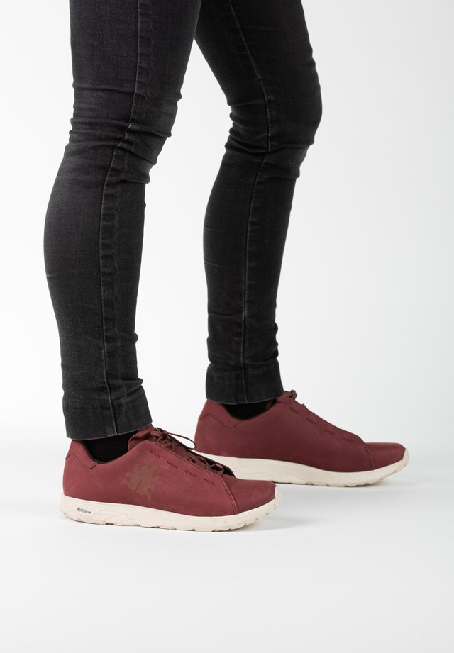Sneakers laag - bordeaux