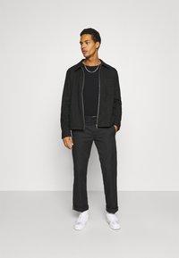 YOURTURN - UNISEX - T-shirt à manches longues - black - 1