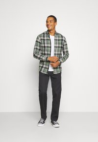 Denim Project - CHECK SHIRT - Skjorta - army/black - 1