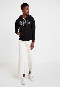 GAP - Zip-up hoodie - true black - 1