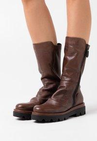 lilimill - ASTRID - Platform boots - sidney brown - 0