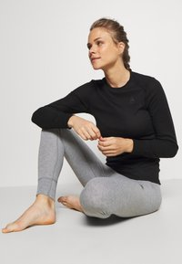 ODLO - BOTTOM LONG ACTIVE WARM ECO - Base layer - grey melange - 1