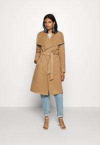 ONLY - ONLNEWPHOEBE DRAPY COAT - Płaszcz wełniany /Płaszcz klasyczny - camel - 0