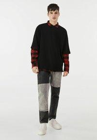 Bershka - Straight leg jeans - grey - 1