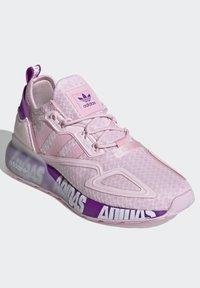 adidas Originals - ZX 2K BOOST SCHUH - Trainers - pink - 1