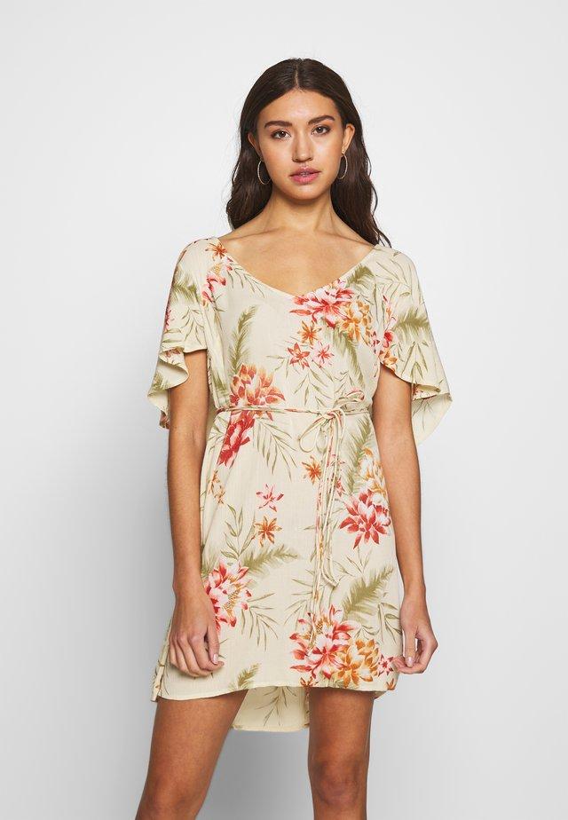 FINE FLUTTER - Korte jurk - pistachio