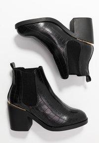 Dorothy Perkins Wide Fit - WIDE FIT ANSTY ELASTIC HEELED CHELSEA - Kotníková obuv - black - 3