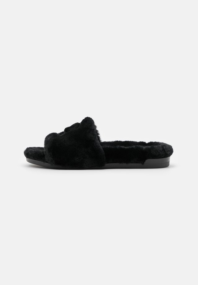 FLIRTING SLIDERS - Tofflor & inneskor - black