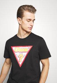 Guess - STICKY - Print T-shirt - jet black - 3