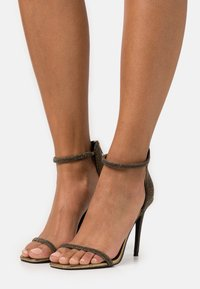 Steve Madden - RAPTURE - High heeled sandals - gold - 0