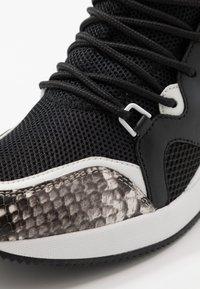 MICHAEL Michael Kors - LIV TRAINER - Sneaker low - black - 2