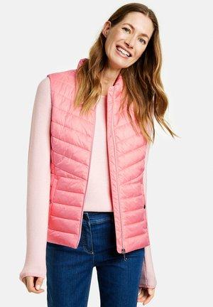 MIT STEHKRAGEN - Waistcoat - pink