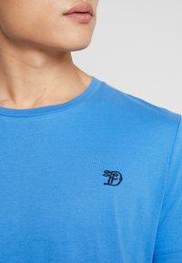 TOM TAILOR DENIM - PACKAGING - T-shirt - bas - white - 5
