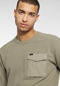 Lee - MILITARY - Sweter - utility green - 3