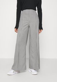 Weekday - PETRA TROUSER - Trousers - dogtooth - 0