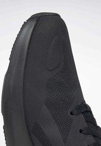 Reebok - REEBOK RUNNER 4.0 SHOES - Neutral running shoes - black - 8