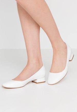 Classic heels - white