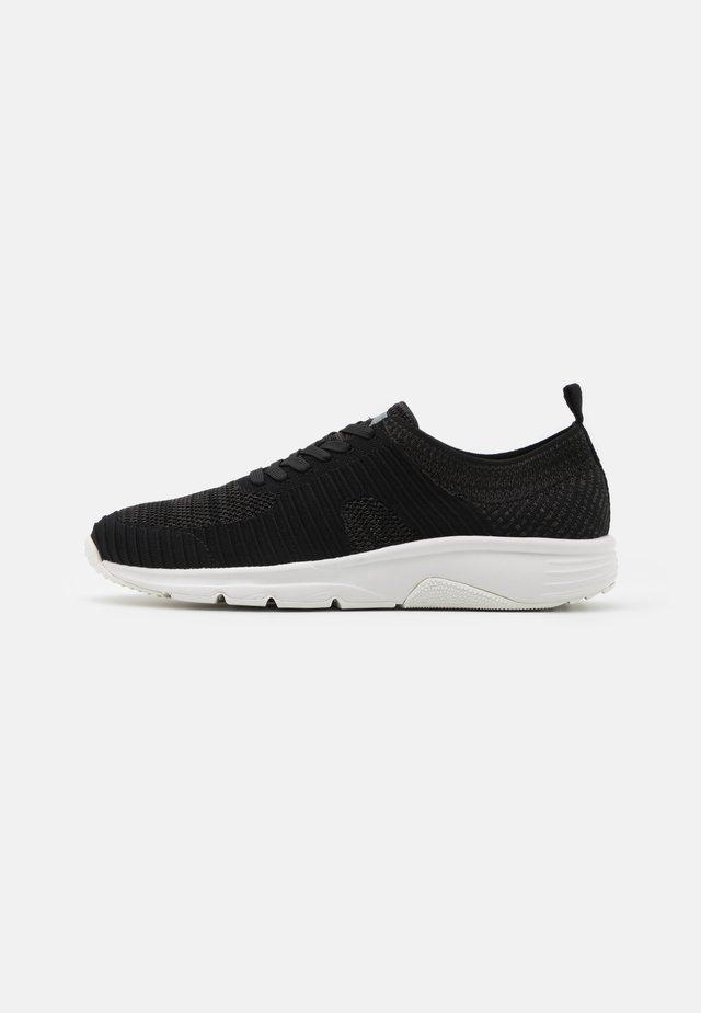 DRIFT - Zapatillas - black