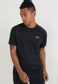 Under Armour - TECH TEE - T-shirt - bas - black/graphite - 0