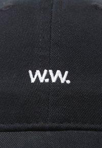 Wood Wood - LOW PROFILE - Keps - black - 6