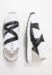 Emporio Armani - Baskets basses - white/black - 1