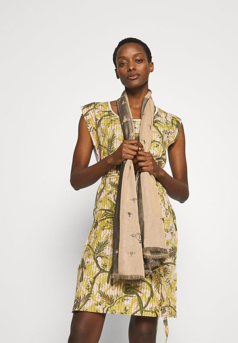 Vivienne Westwood - STOLE INFINITY - Sjal - beige