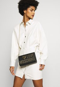 Love Moschino - Skulderveske - black - 1