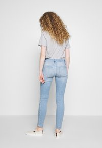Frame Denim - LE DE JEANNE - Jeans Skinny Fit - blue denim
