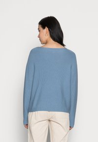 Marc O'Polo - LONGSLEEVE MODERN WIDE FIT RICE CORN STRUCTURE - Jumper - fall sky - 2