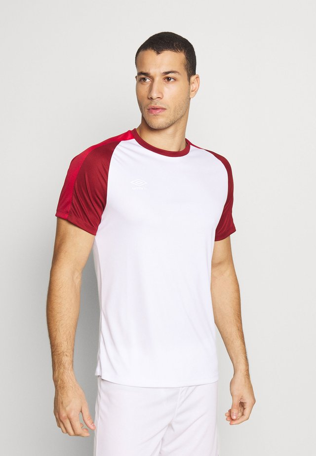 TRAINING - T-shirt con stampa - brilliant white/merlot