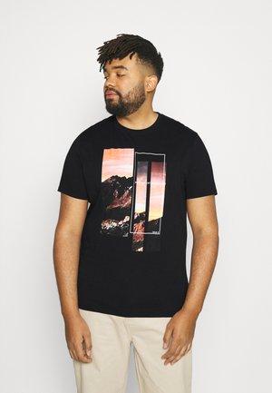 MOUNTAIN PRINT CREW TEE - Print T-shirt - black