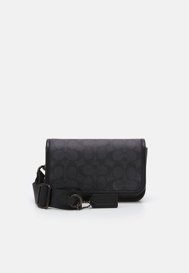 CHARTER PHONE CROSSBODY IN SIGNATURE UNISEX - Sac bandoulière - charcoal