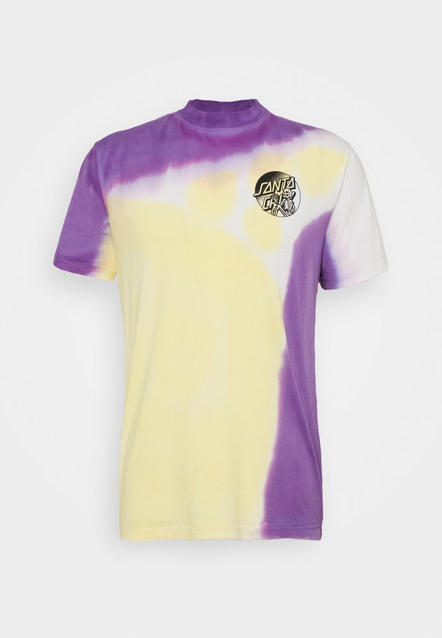 DOPE PLANET - Print T-shirt - yellow/ purple fold dye