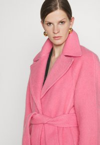 Victoria Victoria Beckham - BRUSHED COAT - Classic coat - candy pink - 4