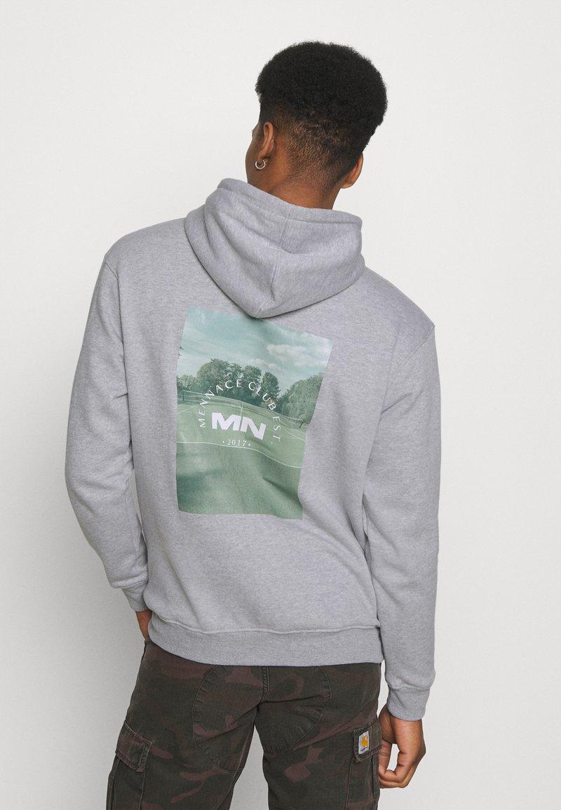 Mennace - CLUB TENNIS COURT HOODIE UNISEX - Sweatshirt - grey marl