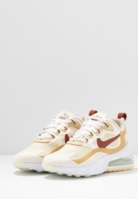 Nike Sportswear - AIR MAX 270 REACT - Baskets basses - team gold/cinnamon/club gold/pale ivory - 4