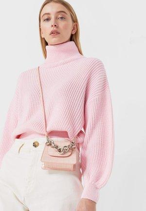 Taška spříčným popruhem - mottled light pink