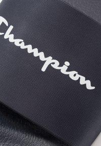 Champion - BELIZE - Pool slides - navy/white - 5