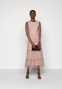 Vero Moda Tall - VMJUANA DRESS - Společenské šaty - misty rose/black - 1