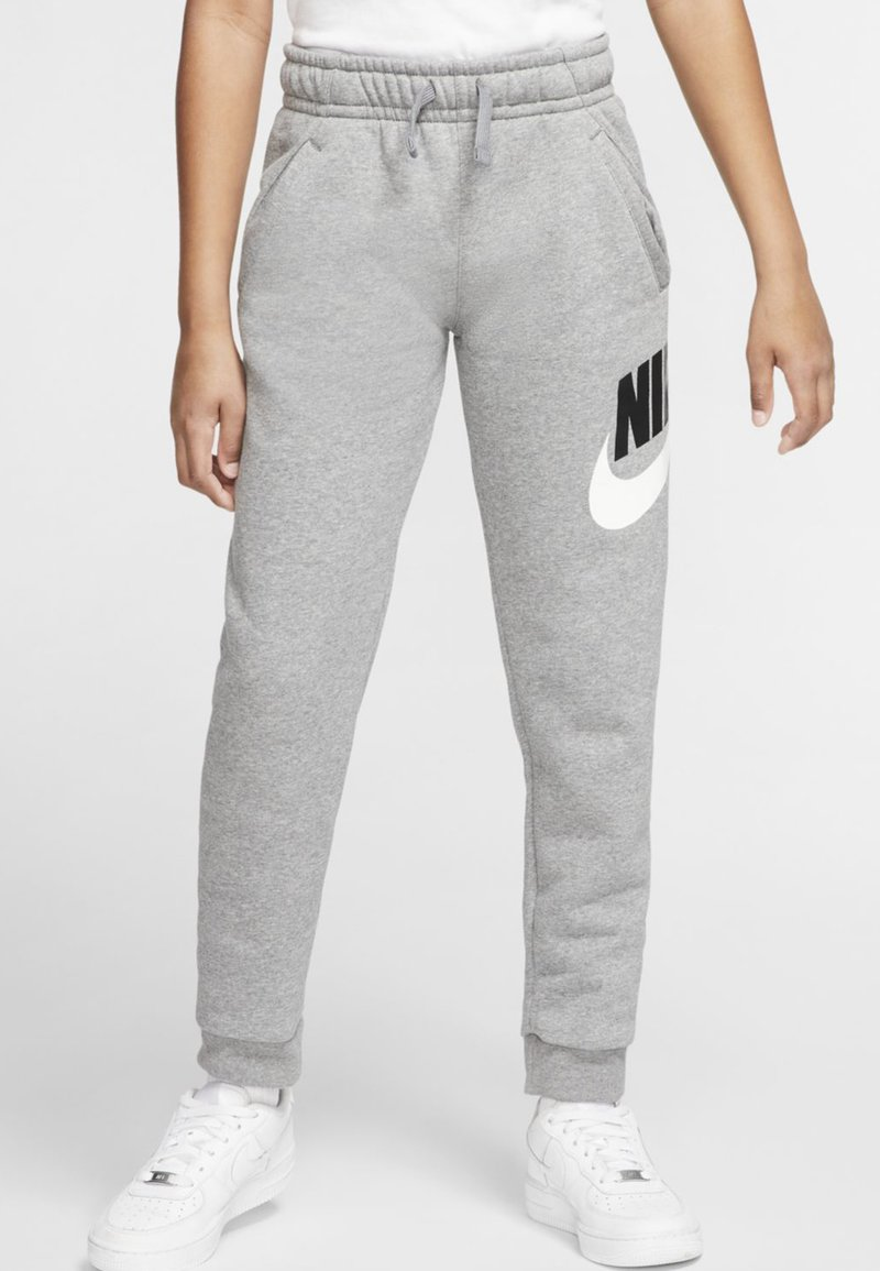 Nike Sportswear - CLUB PANT - Verryttelyhousut - carbon heather/smoke grey
