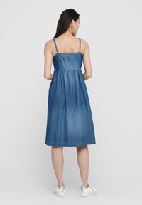 JDY - Robe en jean - medium blue denim - 2