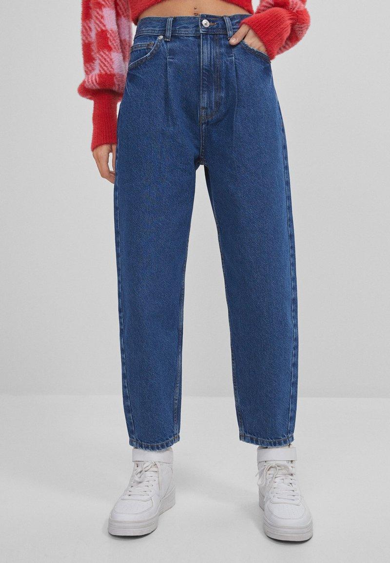 Bershka - Jeans a sigaretta - blue