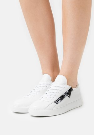 DEVA LACE UP ZIP - Sneaker low - white