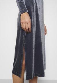 Saint Tropez - CALLIESZ LONG DRESS - Cocktail dress / Party dress - folkstone gray - 4