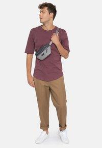 Eastpak - Bum bag - grey - 0