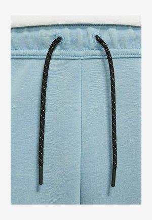 Shorts - cerulean/black