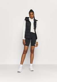 The North Face - WAIST PACK SHORT - Tights - black - 1